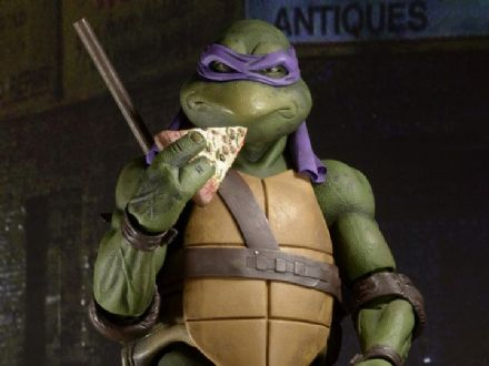 NECA TMNT (1990 Movie) Donatello 1/4 Scale Figure (Teenage Mutant Ninja Turtles)